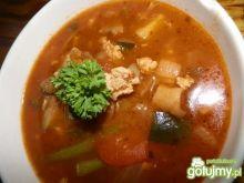 Mięsna zupa z leczo.