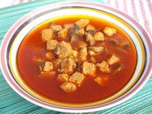 Mięsna zupa z pieczarkami