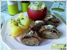 Mięsne babeczki ze śliwką i pistacjami