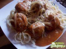 mięsne kulki w sosie bolońskim