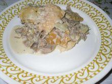 Mięso gotowane z chlebem i śmietaną