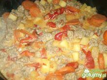 Mięso i warzywa w ciekawym sosie