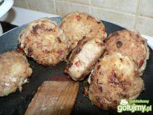 Mięso mielone z papryką