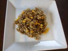 Mięso mielone z ryżem i kukurydzą na ostro