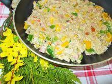 Mięso mielone z warzywami i sosem serowym