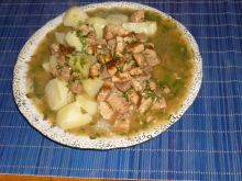 Mięso w czosnkowo-koperkowym sosie