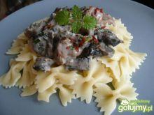 Mięso w sosie śmietanowo pieczarkowym