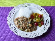 Mięso z kurczaka z cukinią i grzybami