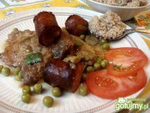 Mieszane mięso w sosie.