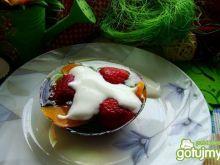 Miętowa galaretka z owocami