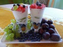 Miętowa śmietanka z owocami