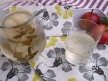 Miętowo-jabłkowy kompot