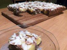 Migdałowe ciasto z brzoskwiniami