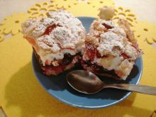 Migdałowe ciasto z jagodami kamczackimi