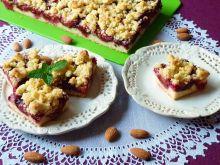 Migdałowe ciasto ze śliwkami