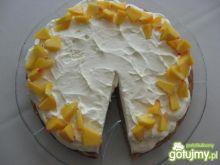 Migdałowo-marchewkowe ciasto z morelami