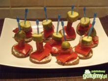 Mini kanapeczki z kabanosami