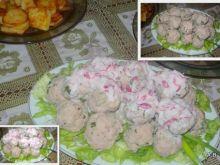 Mini klopsiki z sosem rzodkiewkowym