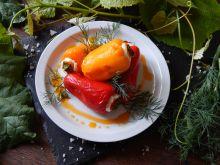 Mini papryczki nadziewane serem