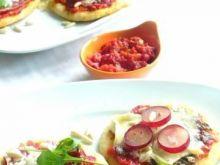 Mini pizze z wędliną lub anchois