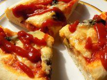 Mini pizze ze główkami szparagów