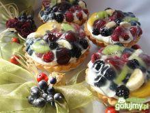 Mini tarty kokosowe z owocami