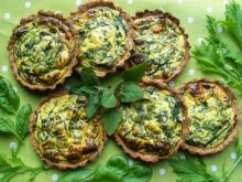 Mini tarty z zielonym farszem