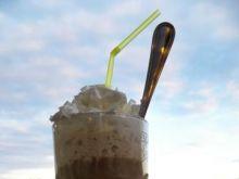 Miodowa kawa z bitą śmietaną