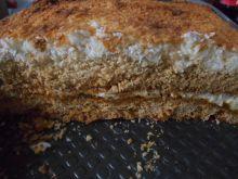 Miodowe ciasto z marmoladą z mniszka i kokosem