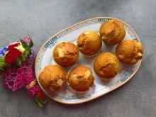 Miodowe muffinki z gruszką i bananem