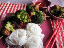Miodowe szaszłyki i grzyby mun
