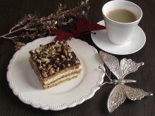 Miodownik z orzechami i kawą