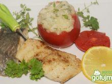 Miruna i puree z kalarepki w pomidorach