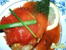 Miruna w sosie pomidorowym