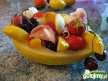 Miseczki z owocami