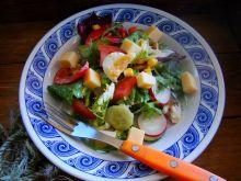 Mix sałat z orzechowym serem żółtym