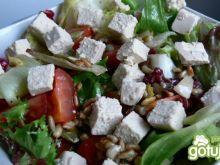 Mix sałat z pomidorkami i tofu