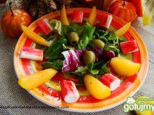 Mix sałat z żółtą śliwką i krabem