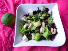 Mix sałat z żurawiną i serem pleśniowym