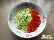Mizeria z pomidorami i koperkiem
