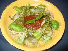 Makaron z cukinią i brokułem