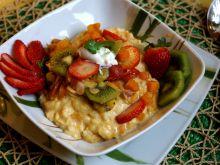 Mleczne risotto z dynią, truskawkami i kiwi