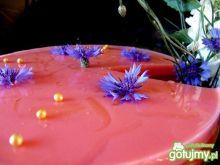 Mleczno-galaretkowa pianka z jagodami
