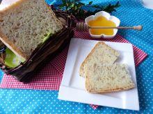 Mleczny chlebek z ziarnami słonecznika