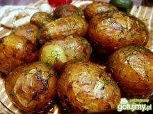 Młode ziemniaki pieczone w mundurkach