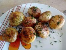 Młode ziemniaki smażone ze skórką