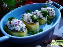 Młode ziemniaki z sałatką twarożkową