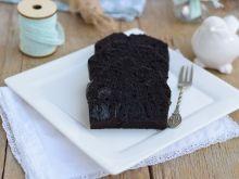 Mocno kakaowe ciasto z suszoną ślliwką