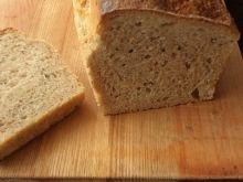 Mój domowy chleb na zakwasie pachnący czarnuszką