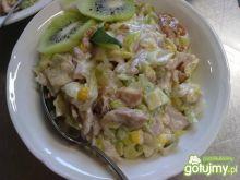 Moja prosta sałatka z kurczaka i ananasa